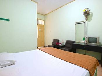 Camelia Hotel Malang - Standard Room Only Regular Plan