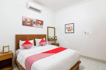 OYO 1242 Penginapan RB Syariah Yogyakarta - Standard Double Room Regular Plan