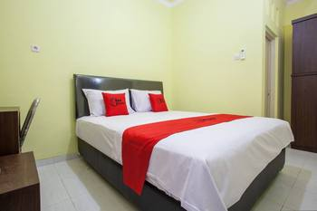 RedDoorz near Petra University 2 Surabaya - RedDoorz Room Regular Plan