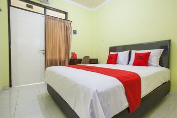RedDoorz near Petra University 2 Surabaya - RedDoorz Room with Breakfast Regular Plan