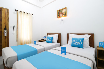 Airy Batu Layar Raya Senggigi KM 8 Lombok - Standard Twin Room Only Regular Plan