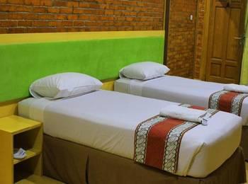 Jambuluwuk Puncak Resort Bogor - One Bedroom Villa With Breakfast Stay 3 night get 47%