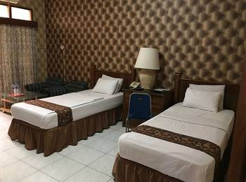 Palapa Hotel Banyumas - Deluxe Twin Room Regular Plan