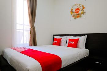 OYO 1665 Aurila Homestay Syariah Malang - Standard Double Room Regular Plan