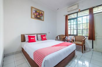 OYO 1736 Pondok Kurnia Bandung - Standard Double Room Regular Plan