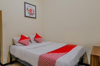 OYO 1851 Hotel Malang Malang - Standard Double Room Regular Plan