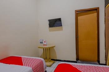 OYO 1851 Hotel Malang Malang - Standard Twin Room Regular Plan