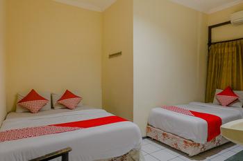 OYO 1851 Hotel Malang Malang - Suite Triple Regular Plan