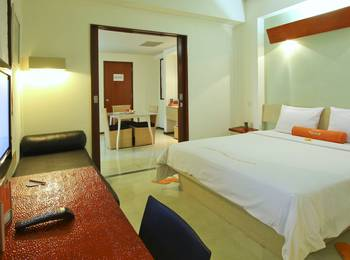 HARRIS Hotel Tuban - HARRIS Room with Breakfast for 1 person Longstay Deals