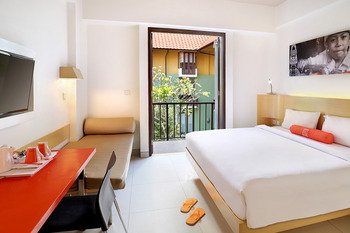 HARRIS Hotel Tuban - HARRIS Room - Transit Rate Max. 7 Hours Regular Plan
