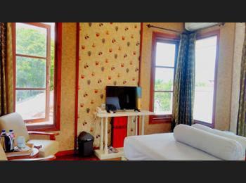 Hotel Gradia 1 Malang - Deluxe Double Room, 1 Queen Bed
