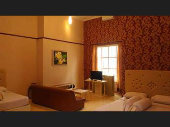Hotel Gradia 1 Malang - Family Room, 2 Queen Beds