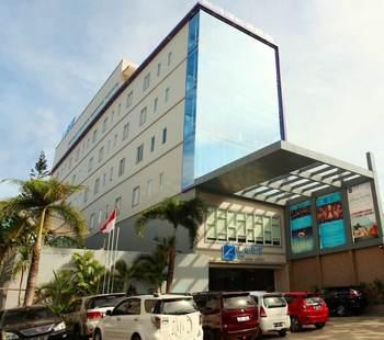 LA'RIZ WTHREE Lagaligo Makassar
