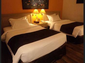 Narita Hotel Tulungagung - Kamar Double atau Twin Deluks Regular Plan