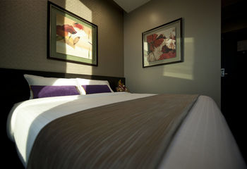 V Hotel Lavender - Superior Double with City View NC Hemat 5%