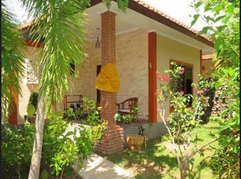 Amed Harmony Cafe and Bungalows Bali - Bungalow Deluks, 1 tempat tidur double, pemandangan kebun Hemat 42%
