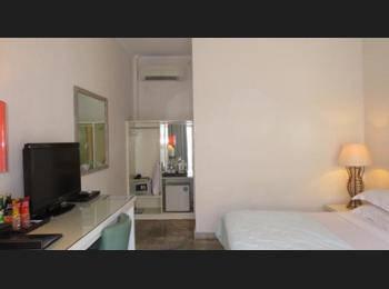 Bali Court Hotel and Apartments Bali - Kamar Deluks, di pinggir kolam renang Regular Plan