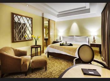 The Fullerton Hotel Singapore - Straits Club Courtyard Double Regular Plan