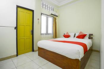 OYO 2319 Tengkawang Residence Samarinda - Standard Double Room Regular Plan