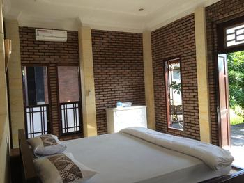 Lotus ll Guesthouse Magelang - Budget Double Room Room Only FC Min. Stay