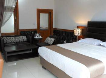 Nice Guest House Bandung - Deluxe Room Only Regular Plan