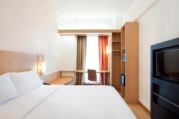 Ibis Bandung Trans Studio Bandung - Standard Double Room Only Regular Plan