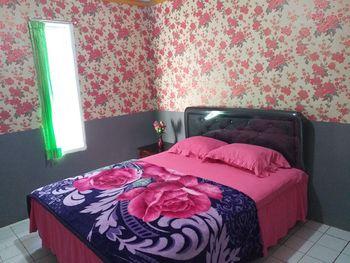 Luthfi Bromo Homestay Probolinggo - 1 Unit Villa: 3 Bedroom + 1 Extra Bed (Room Only) Regular Plan