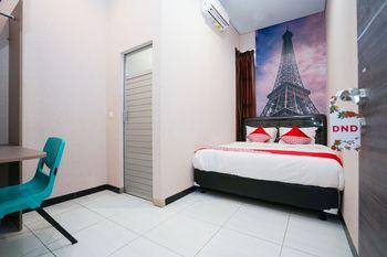 OYO 1143 Willow Residence Surabaya - Standard Double Room Regular Plan
