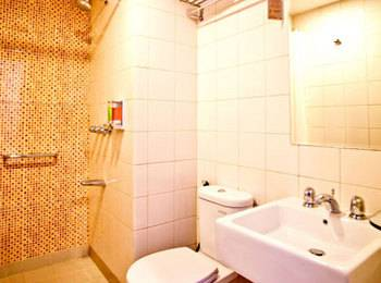 Amaris Pratama Bali - Smart Room Queen Regular Plan