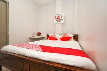 OYO 318 K1 Residence Surabaya - Standard Double Room Regular Plan