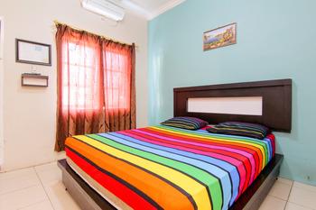 Trans Bandara Residence - Hotel Transit Kualanamu Deli Serdang - Superior Double Room with AC Special Deal