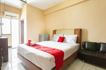 RedDoorz Apartment @ Gateway Cicadas Bandung - RedDoorz Room 24 Hours Deal