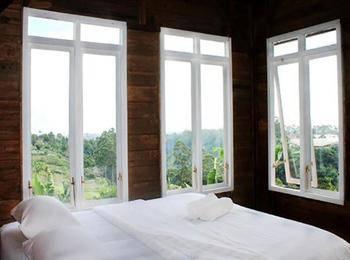 Villa Tandera Istana Bunga Lembang Bandung - Standard Room Regular Plan