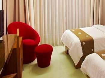Villa Damar Bandung - Deluxe Room (Double / Twin) Regular Plan