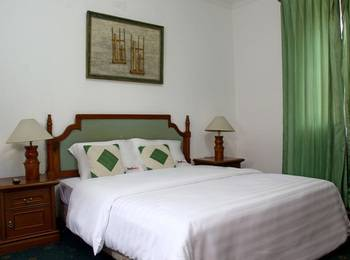 RedDoorz @Lombok Bandung - RedDoorz Deluxe Room with Breakfast Regular Plan