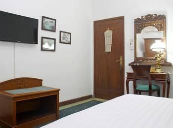 RedDoorz @ Lombok Bandung - RedDoorz Room Regular Plan