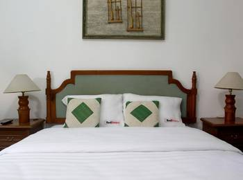 RedDoorz @Lombok Bandung - RedDoorz Room with Breakfast Regular Plan