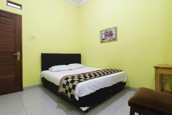 Hotel Surabaya Jaya Bandara Soetta Tangerang - Single Room Only Stay 2 Night, Pay Less