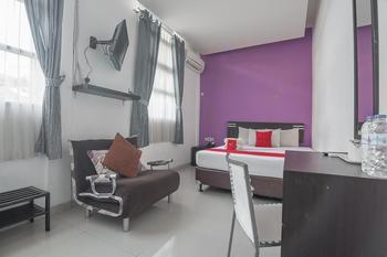RedDoorz Plus near Politeknik Ilmu Pelayaran Semarang Semarang - RedDoorz Deluxe Room with Breakfast Regular Plan