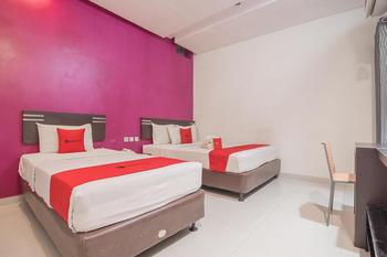 RedDoorz Plus near Undip Pleburan Semarang - RedDoorz Twin Room Basic Deal