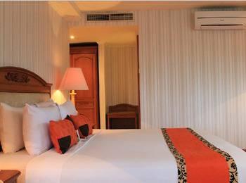 Grand Elty Singgasana Tenggarong Kutai Kartanegara - Junior Suite Room Regular Plan