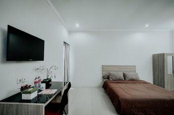 D'Paragon MT Haryono Semarang - Deluxe Room Regular Plan