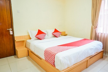 OYO 2539 Hotel Kurnia Bandung - Deluxe Double Room Regular Plan