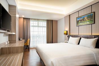 eL Hotel Royale Yogyakarta Malioboro Jogja - Deluxe King Room Only Regular Plan