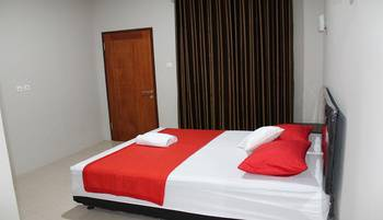 Dylan's Guesthouse Lombok - Deluxe Room Regular Plan
