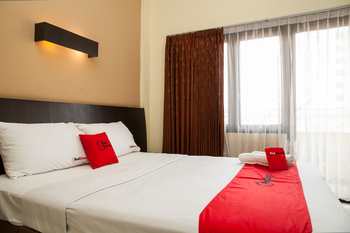 RedDoorz near Gubeng Station Surabaya - RedDoorz Premium Room Regular Plan