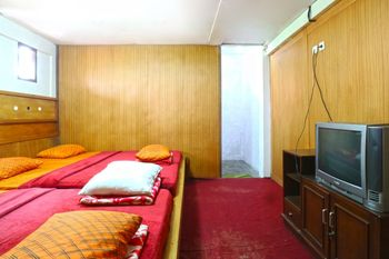 Pondok Buah Sinuan Bandung - Big Family Upstairs for max 6 Persons Minimum Stay