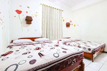 Pondok Buah Sinuan Bandung - Family Terrace For Minimum Stay