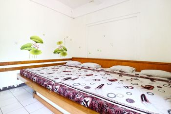 Pondok Buah Sinuan Bandung - Family Terrace Big Bed Size for 5 Persons Minimum Stay