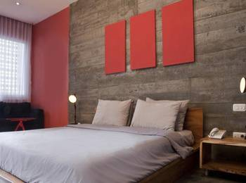 Stevie G Hotel Bandung - Deluxe Room Only Last Minute Deals!